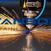 Phân biệt cắt tấm inox bằng laser và Plasma
